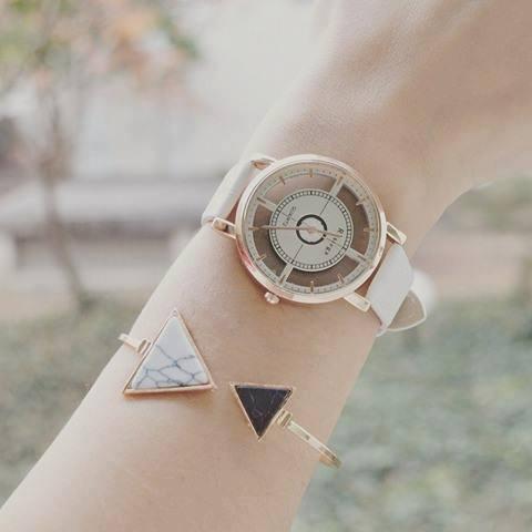 Bracelet asymétrique marbre triangle & Montre transparente femme Blanche