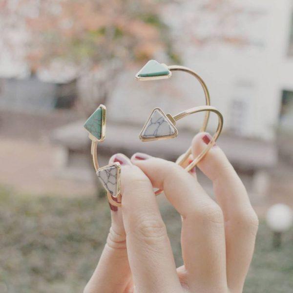 Bracelet jonc triangle marbre blanc et vert