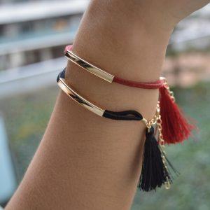 Bracelet Pompon Noir porté